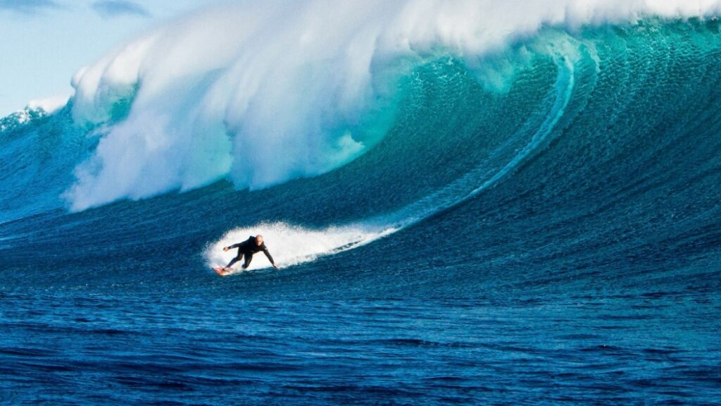 What You Need to Know About Surfing the Great Barrier Reef